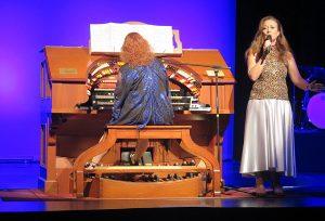 Laura Doolan - Legends in Concert TOSAQ